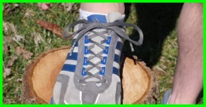 how to tie running shoes